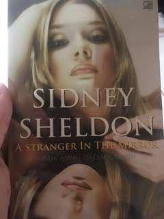 Sidney sheldon a stranger in the mirror (sosok asing dalam cermin)