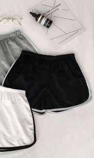 🚚 Black uzzlang runner shorts