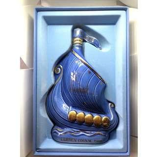 法國 Larsen Cognac 帆船瓷樽干邑 連盒(藍色樽) 700ML