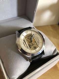 🚚 Armani 機械大錶