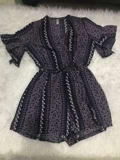 Black flower jumpsuit muat smpe size M