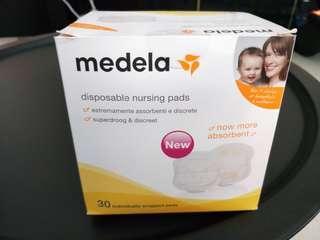 🚚 Medela nursing pads 30's
