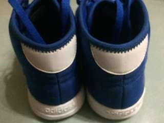 Adidas 藍色高筒休閒鞋 8成新