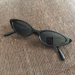 black sunnies