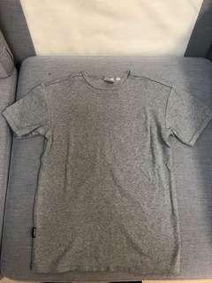 99% new 日本 avirex 緊身爆肌灰色 t shirt Nike adidas