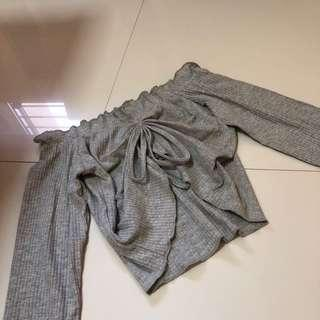 long sleeved off shoulder crop top (grey)