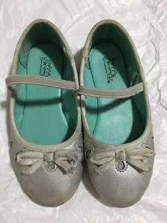 Bubble gummers covered shoes