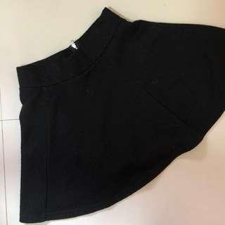 black textured circle skirt 🎀