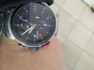 Jam tangan pria * Swiss Army *