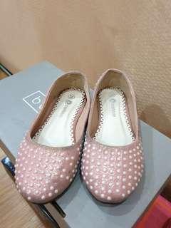 Preloved. Girl shoes. Sz 26. Defect kotor tinggal dicuci aja yaa. Dipakenya nyaman bgtt