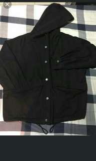 🚚 黑色連帽外套