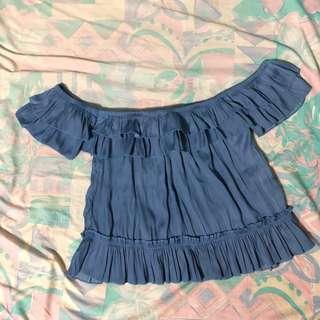Blue ruffled croptop