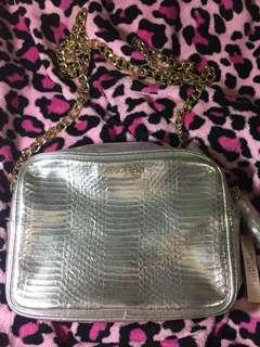 VICTORIA SECRET OFFICIAL CROSSBODY BAG WITH CHAIN