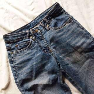 [East India] Grunge High-Rise Jeans / Denims.