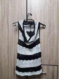 Pre love knitted sleeve less