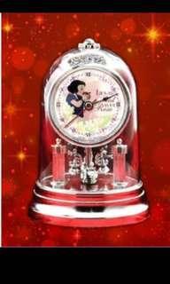 Premium swinging dome clock-prize from toreba