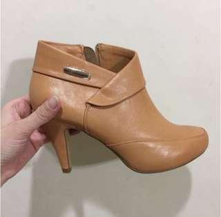🚚 iKi2 半裸皮靴(焦糖色)