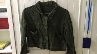 軍綠色短款外套
