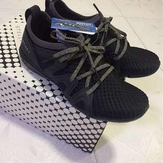54折 Adidas x Stella McCartney波鞋