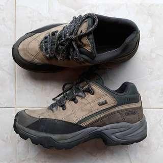 Sepatu Outdoor Salewa Goretex Original size 38