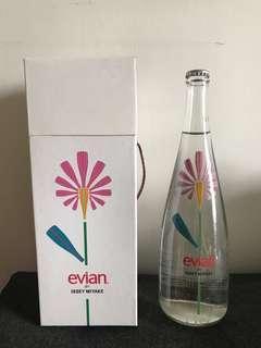 Evian crossover 礦泉水