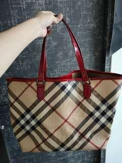 burberry tote bag red   Luxury   Carousell Singapore 61eb5782fc