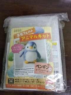 🚚 Baby Penguin felt kit