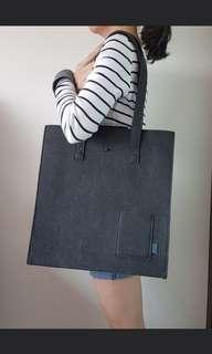 🚚 Grey Tote Bag