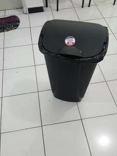 Big trash can - Tempat sampah besar Krisbow