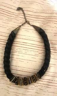 Kalung stradivarius black