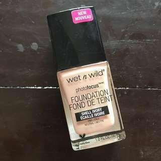 Photofocus Wet n wild foundation