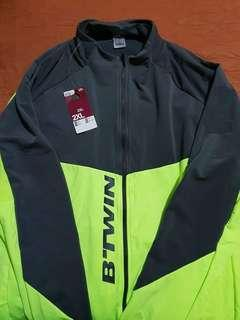 B Twin Decathlon Windbreaker