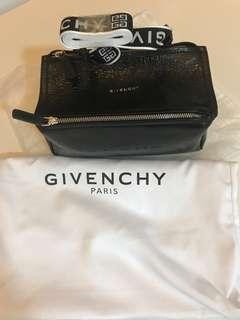 🚚 Givenchy Pandora Mini