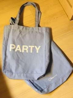 2 Shoulder bags