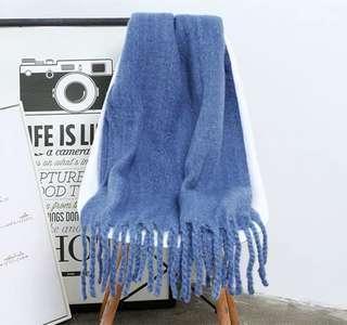 🚚 迷霧藍大辮子圍巾