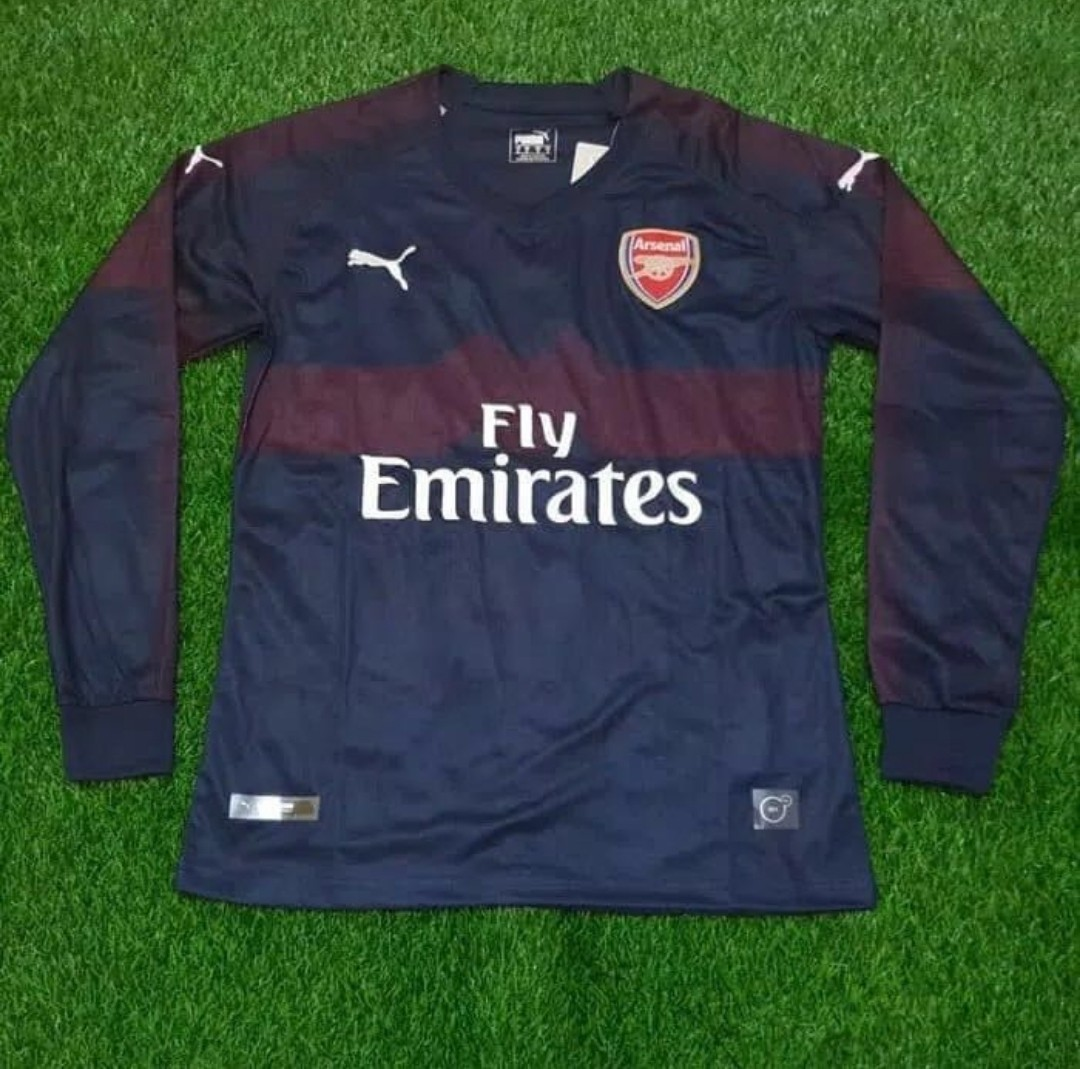 961ef7bc1 ♡   Arsenal Jersey.