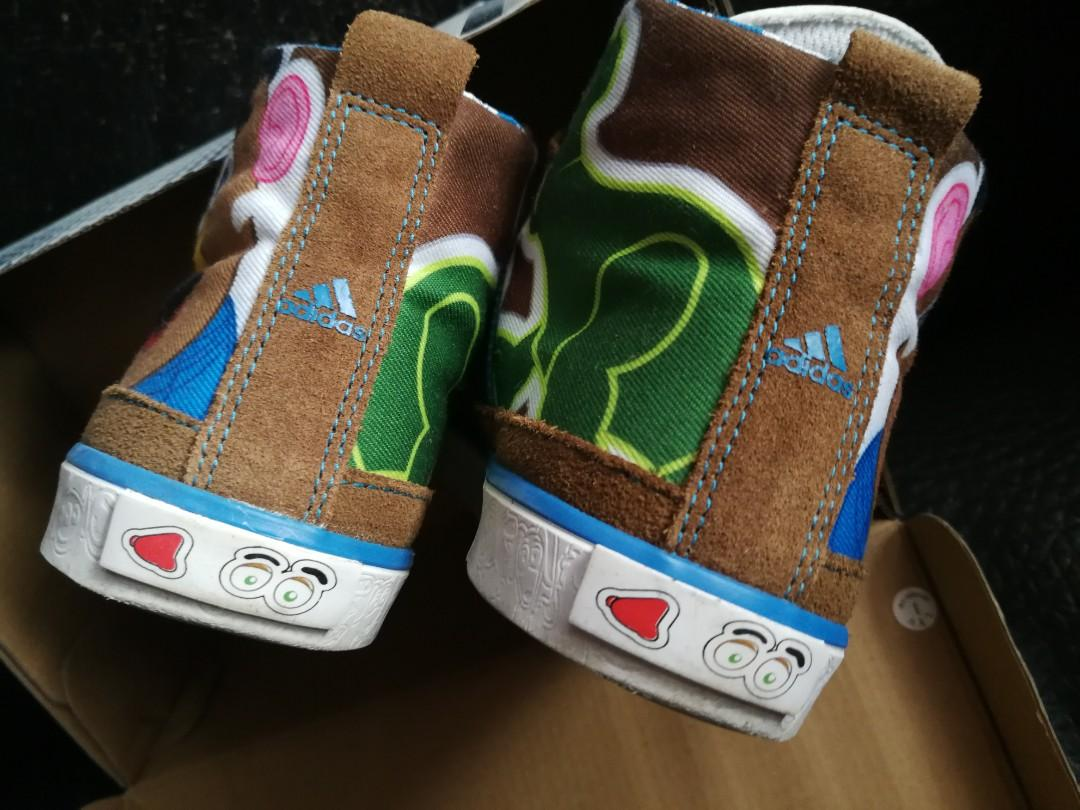 Addidas  x  Disney Toy Story 3 短靴款 猄皮 運動鞋