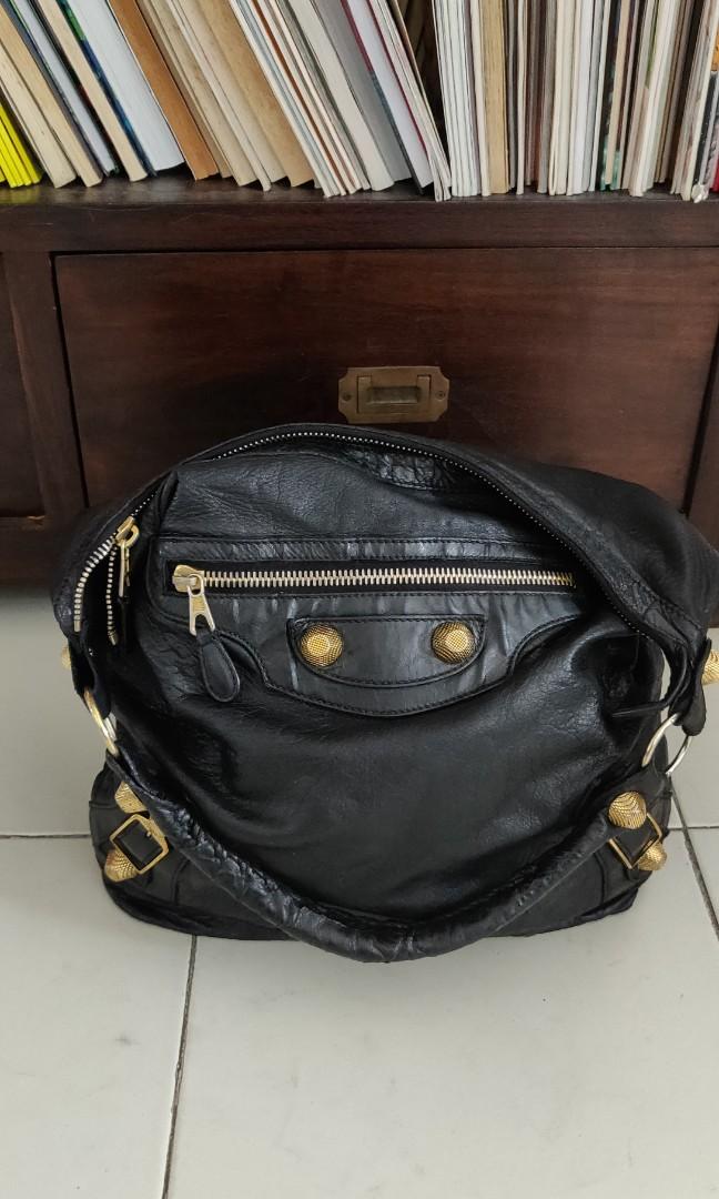 627b566982d Authentic Balenciaga day bag, Women's Fashion, Bags & Wallets ...