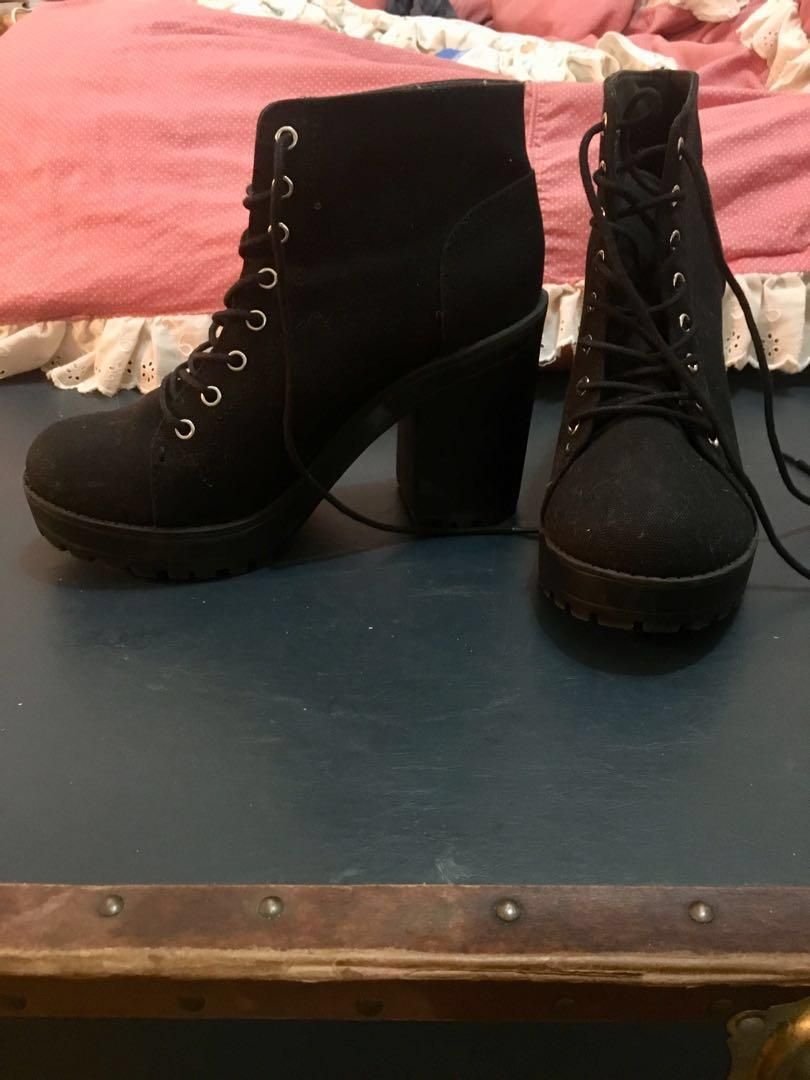 Black Canvas Winter Booties / Boots 8.5