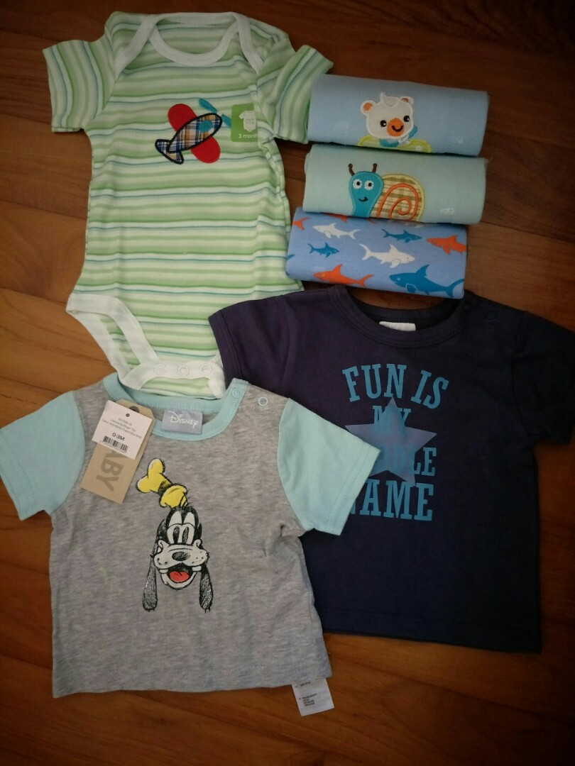 a31dee5e6 Bundle of baby clothes 3 mths