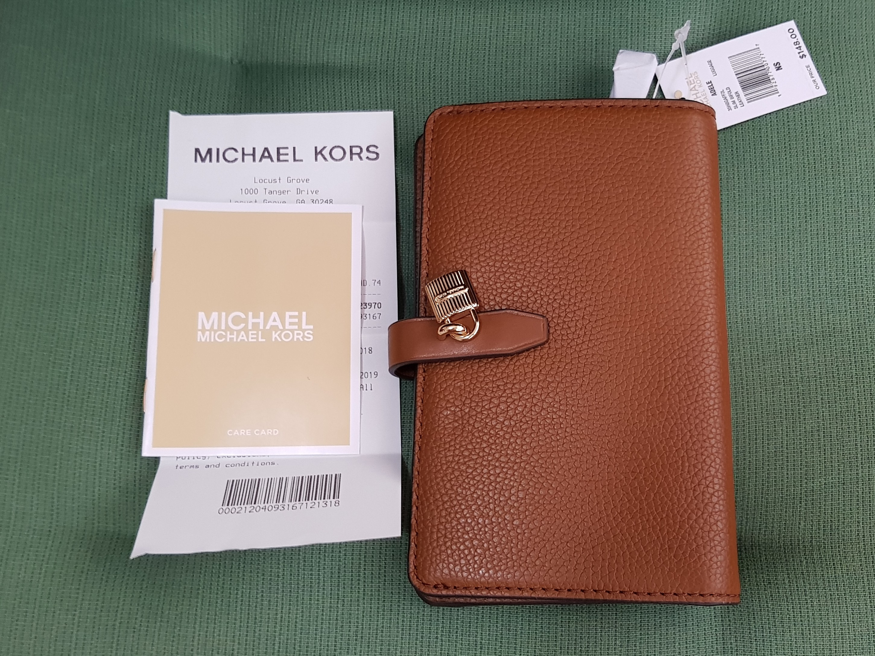 f1d42b3945eb40 Michael Kors Adele Slim Bifold Medium Wallet ☆AUTHENTIC☆, Women's Fashion,  Bags & Wallets, Wallets on Carousell