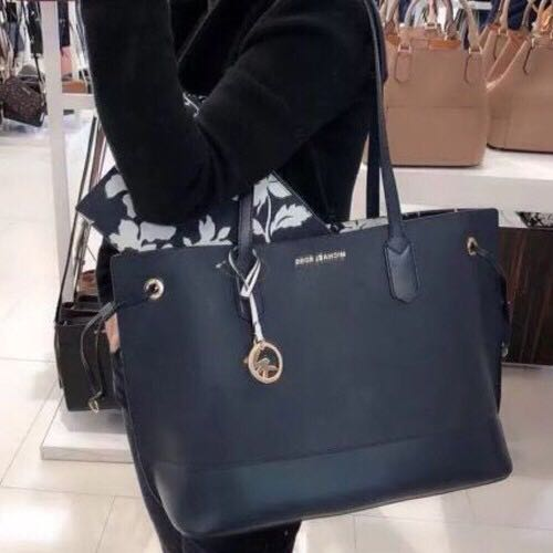 1dd2c7bd721c Michael Kors Trista Large Drawstring Tote, Women's Fashion, Bags & Wallets,  Handbags on Carousell
