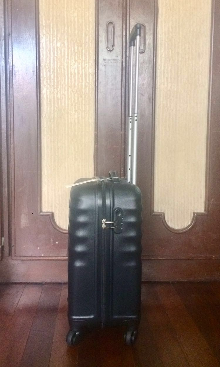 8bdc47a1e4 Sale! Brand New American Tourister Hand Carry with Free 6pcs Travel ...