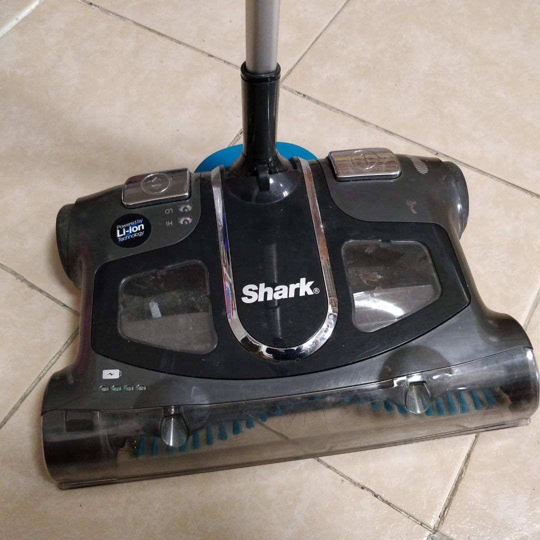 Shark 叉電掃地機
