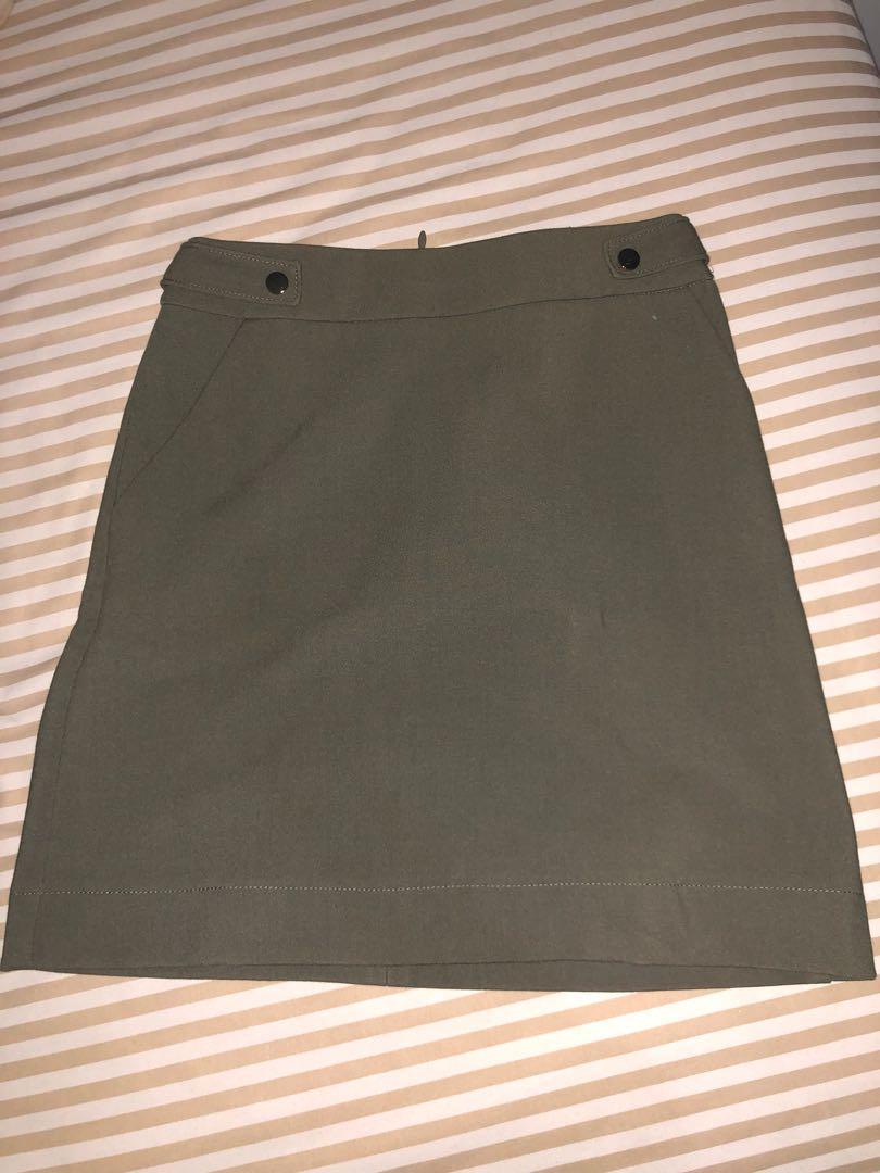 Skirt by h n m