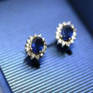 natural blue sapphire and diamond in 18k gold Earrings ( 1 pair  )