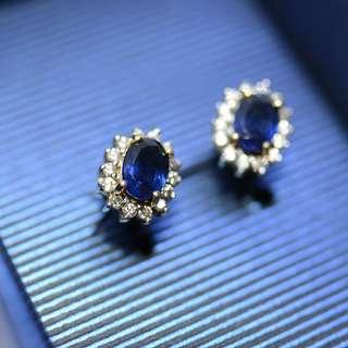 natural blue sapphire + diamond in 18k gold Earrings ( 1 pair , authentic )