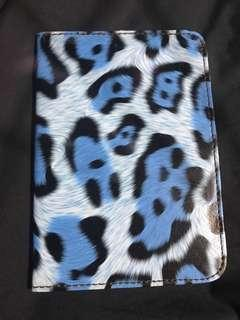 🚚 Blue Leopard Print Passport Holder