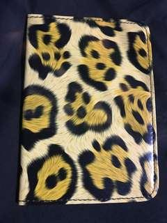 🚚 Yellow Leopard Passport Holder