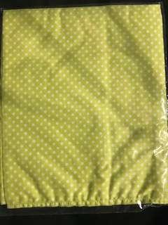 🚚 NARAYA Big Lime Pocket Square with White Polka Dots